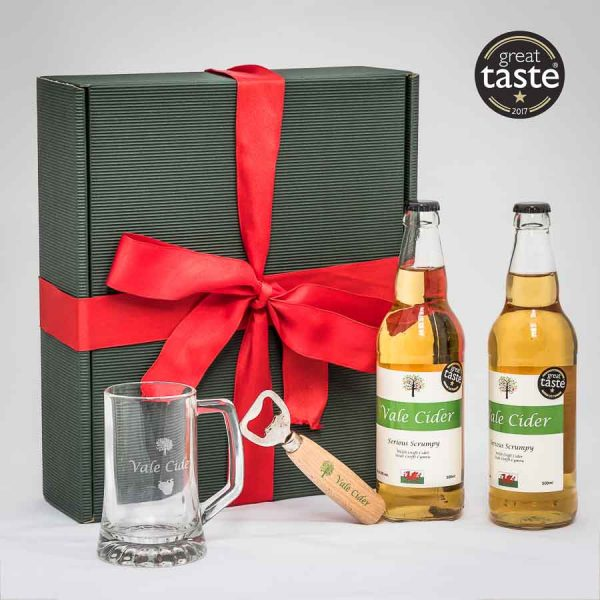 Hamper box with cider gifts