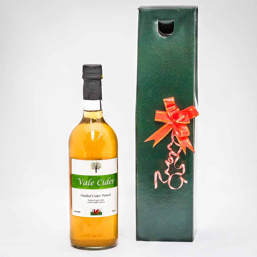 Mulled cider bottle with gift box