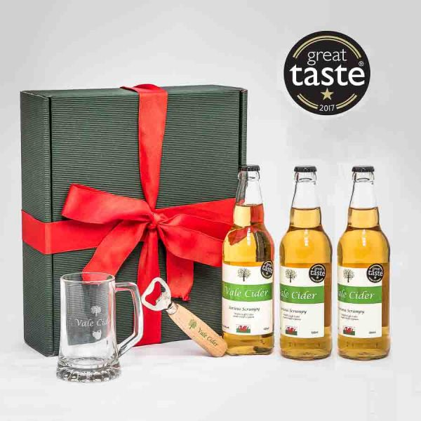 Hamper with cider, tankard and opener